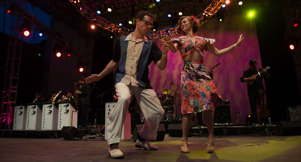 Joe & Lainey on stage Midsummer Night Swing