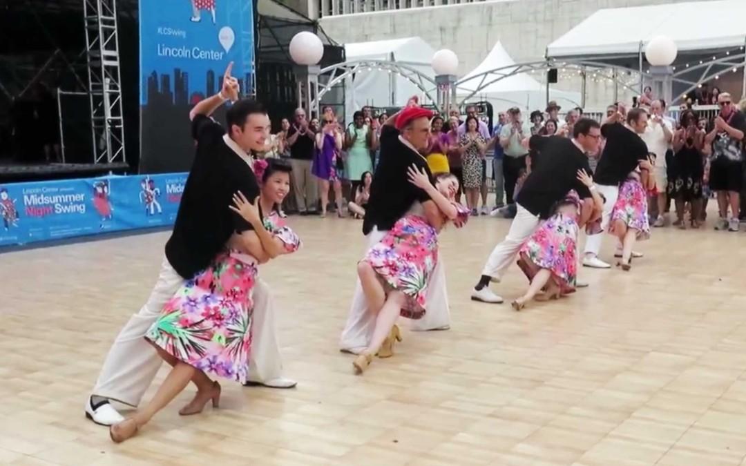 Hula Lolo performance